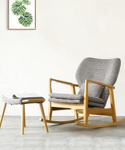 כסא נדנדה מעץ מלא ליון